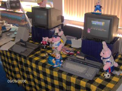 Delta Soft stand with MSX-es and Duracell-rabbits